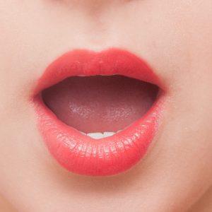 粘液嚢胞かも?舌の裏の水ぶくれが繰り返しできる原因と治療法