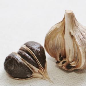 福地ホワイト六片種で作る黒ニンニクが人気!がん予防栄養価が最も高いニンニクを熟成