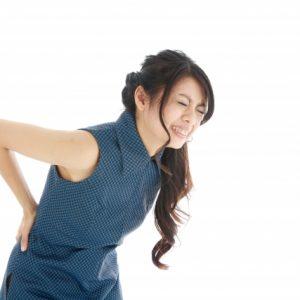 椎間捻挫の原因と対策法。猫背に注意!