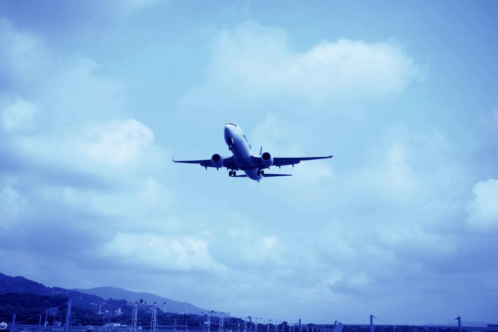 福岡空港の飛行機2