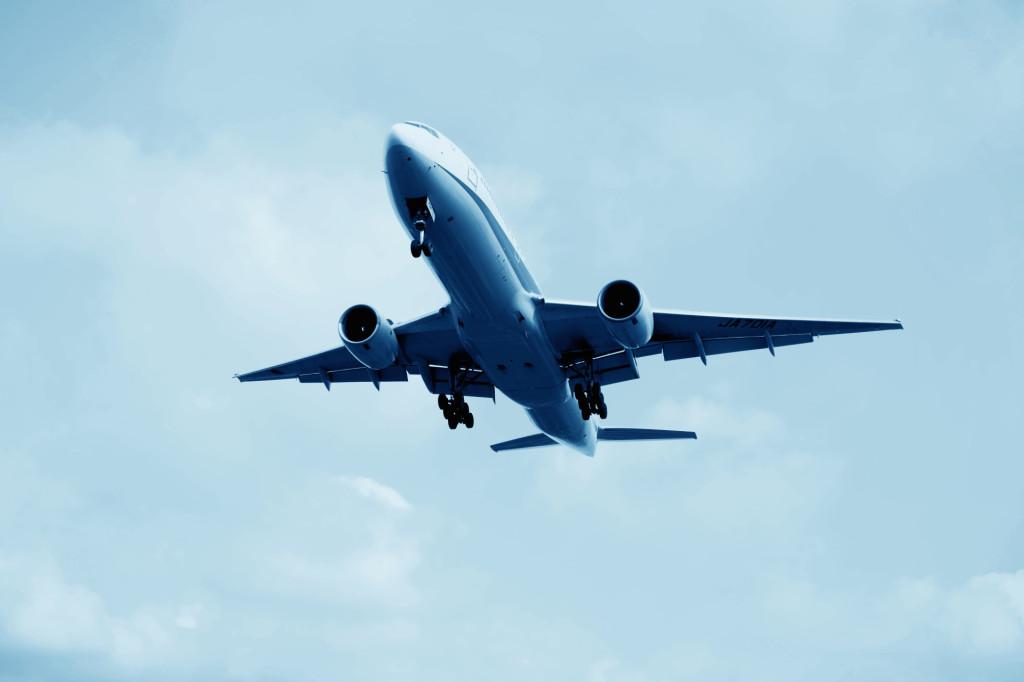 福岡空港の飛行機3