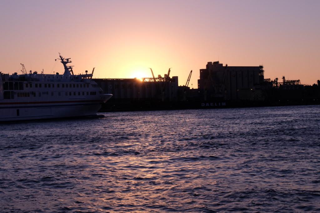 ベイサイドプレイス博多の夕日10
