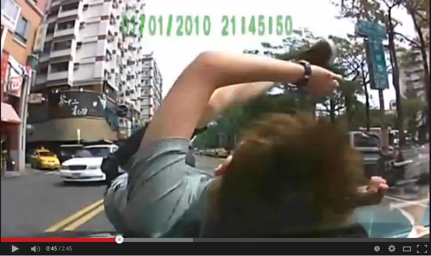 【動画】当たり屋の失敗映像12連発が面白いw