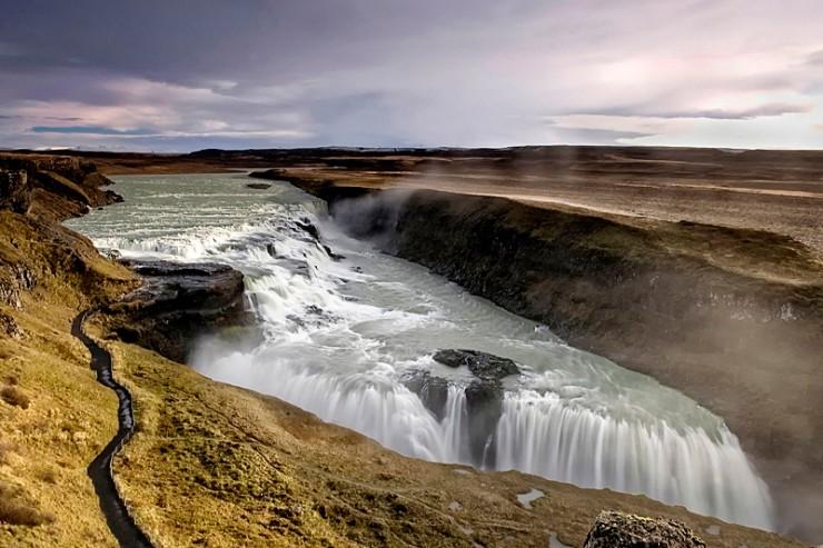 アイスランド Gullfoss グトルフォス(黄金の滝)