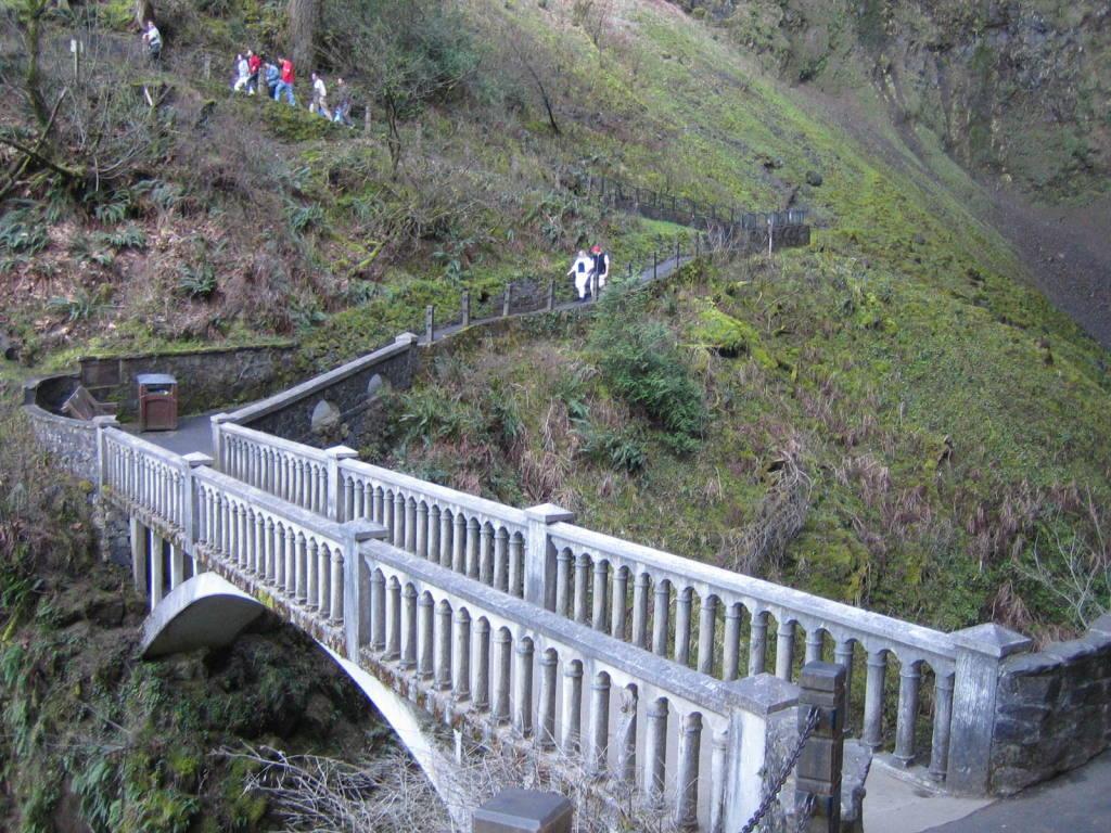 Multnomah+Falls,+Oregon,+USA+13
