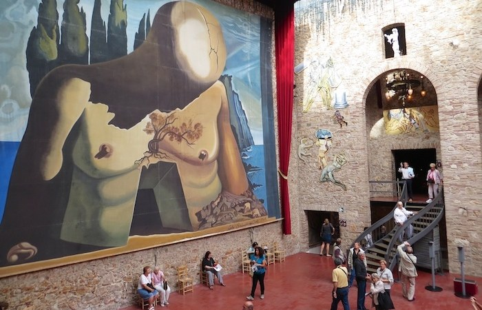 Inside-the-Dali-museum