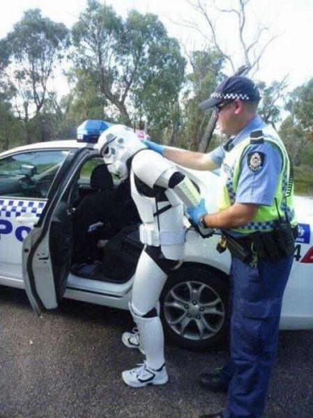 ロボットが逮捕される初の事例ww