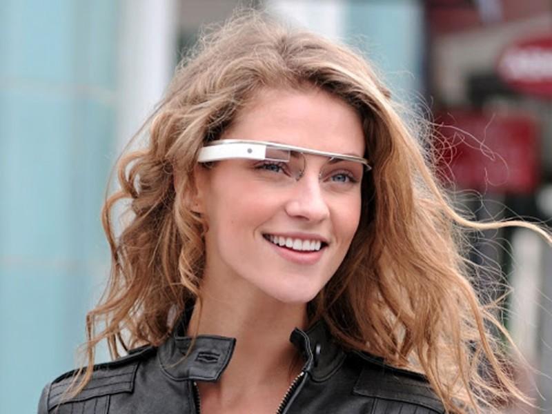 グラス型(メガネ)ウェアラブルの使用例。理想な機能を挙げてみた