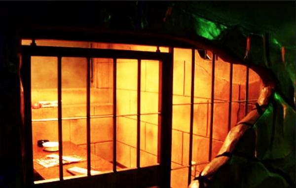 東京で話題の監獄レストラン。ザ・ロックアップ福岡天神店が遂にオープン