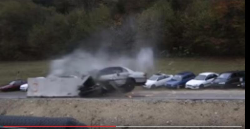 【最悪の事態】時速200kmの衝突事故を想定した実験wwwwwww