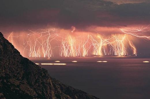 音がない雷が1時間に3600発!ベネズエラのマラカイボ湖の世紀末感がハンパない
